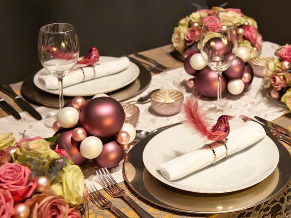 A karácsonyi asztal színvonalas terítésével tudjuk igazán megadni a módját az ünnepi készülődésnek.