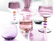Üvegpoharak vonzása